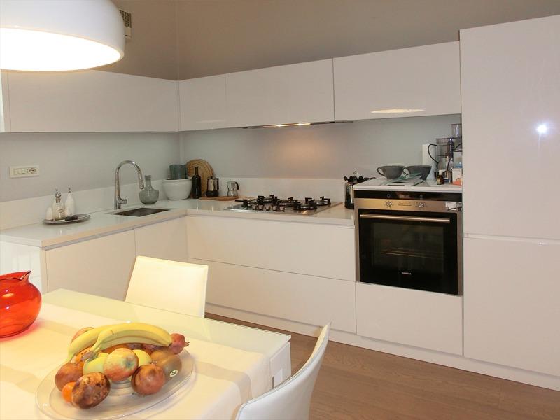 Cucine Moderne Laccate Lucide Bianche : Cucina moderna nuova fcm cucine artigianali